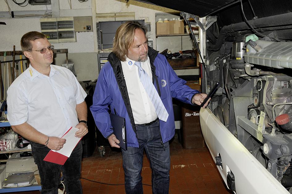 """Schulbus-Check 2015: """"Mängelliste ist ein Fremdwort"""""""